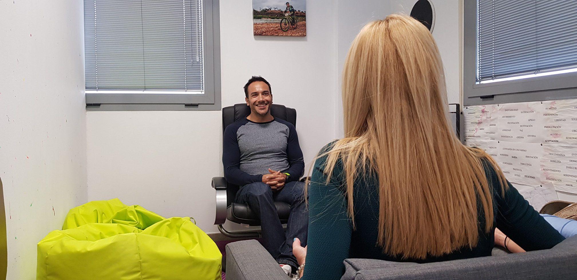 consulta de terapia gestalt y crecimiento personal en sevilla de David Garrido Díaz